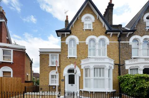 View full details for Embleton Road, Ladywell, SE13