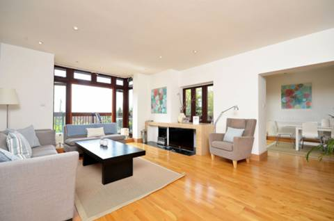 View full details for Cottenham Park Road, West Wimbledon, SW20