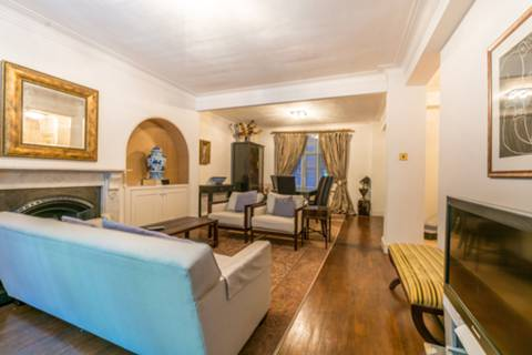 View full details for Chesterfield House W1, Mayfair, W1J