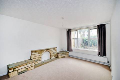View full details for Evans Close, Hackney, E8