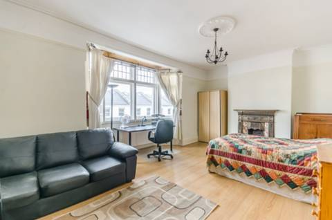 View full details for Fuham Palace Road, Hammersmith, W6