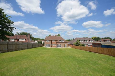 View full details for Manor Way, Onslow Village, GU2