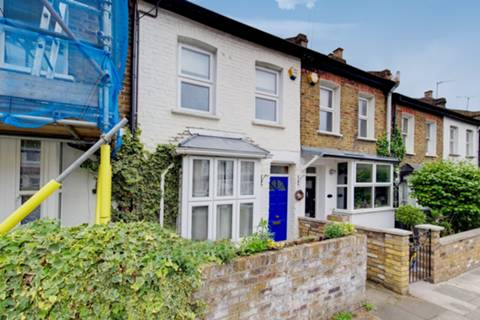 View full details for Ringslade Road, Alexandra Park, N22