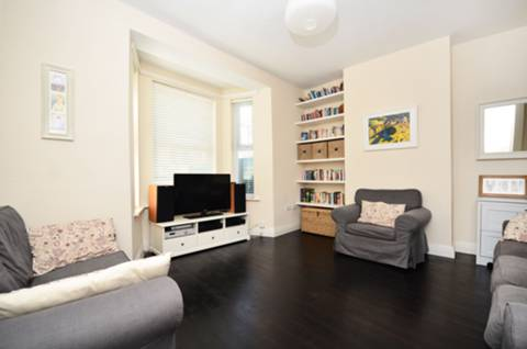 View full details for Lyndhurst Way, Peckham Rye, SE15