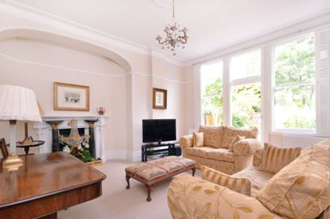 View full details for Haslemere Road, Winchmore Hill, N21