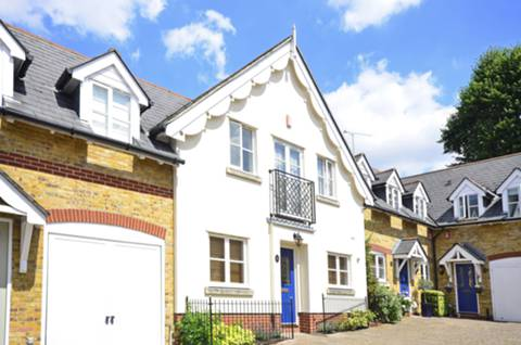 View full details for Angel Mews, Putney Heath, SW15