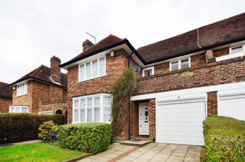 View full details for Brim Hill, Hampstead Garden Suburb, N2