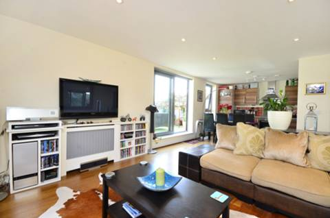 View full details for St Georges Grove, Earlsfield, SW17