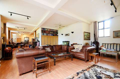 View full details for Cleveland Way, Whitechapel, E1