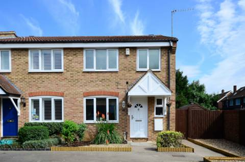 View full details for Bankside Close, Isleworth, TW7