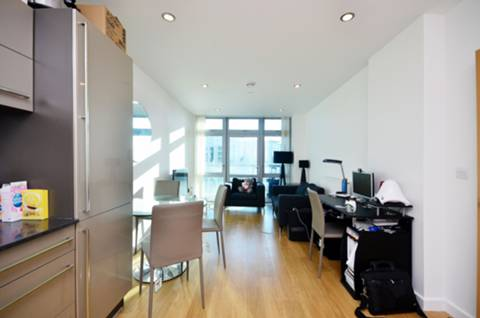 View full details for Iona Tower, Limehouse, E14