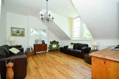 View full details for Brondesbury Road, Queen's Park, NW6