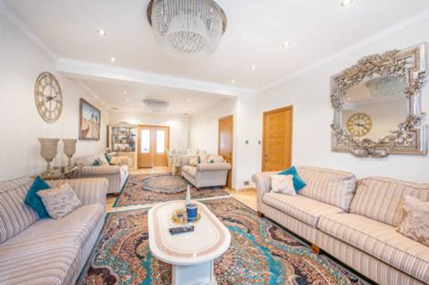 View full details for Cairnfield Avenue, Neasden, NW2