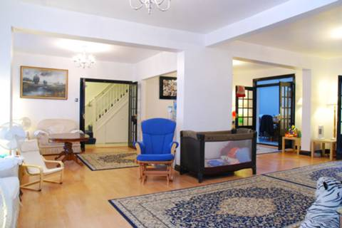 View full details for Worton Way, Isleworth, TW7