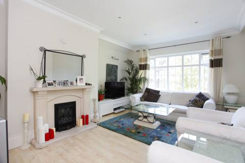 View full details for Finchley Road, Child's Hill, NW2
