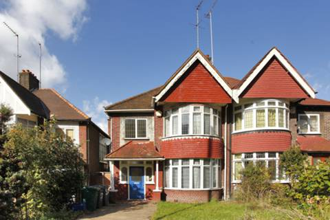 View full details for Station Road, Hendon, NW4