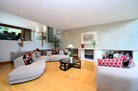 View full details for Highgate West Hill, Highgate, N6