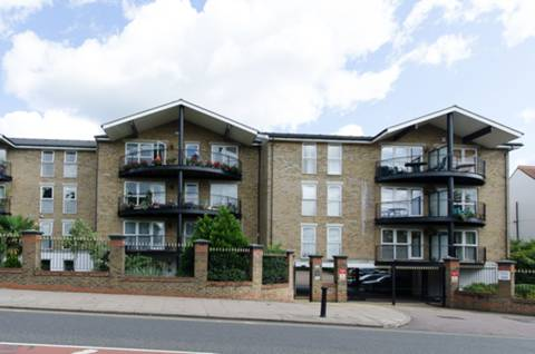 View full details for Aldermans Hill, Palmers Green, N13