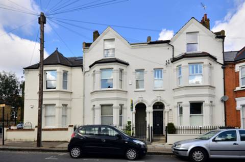 View full details for Taybridge Road, Clapham, SW11