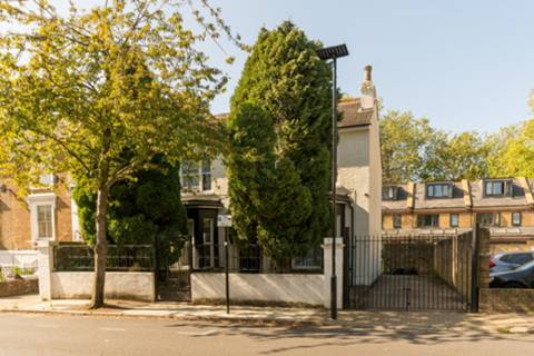 View full details for Cambridge Road North, Chiswick, W4
