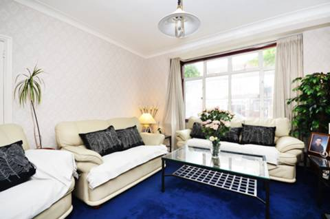 View full details for Queensville Road, Balham, SW12
