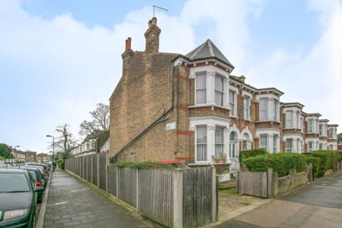 View full details for St Andrews Grove, Stoke Newington, N16