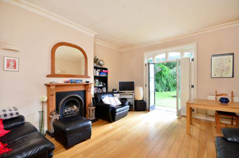 View full details for Yelverton Lodge, Twickenham, TW1