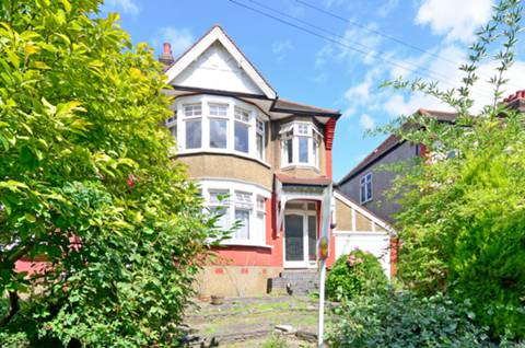 View full details for Bidwell Gardens, Bounds Green, N11