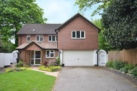 View full details for Wych Hill Lane, Woking, GU22