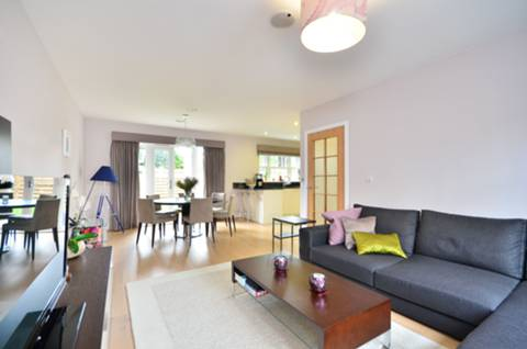 View full details for Benkart Mews, Roehampton, SW15