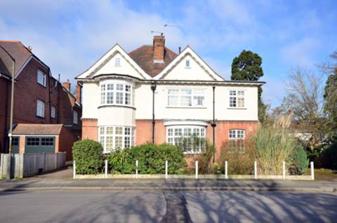 View full details for Calonne Road, Wimbledon Village, SW19