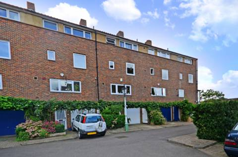 View full details for Hartington Road, Grove Park, W4