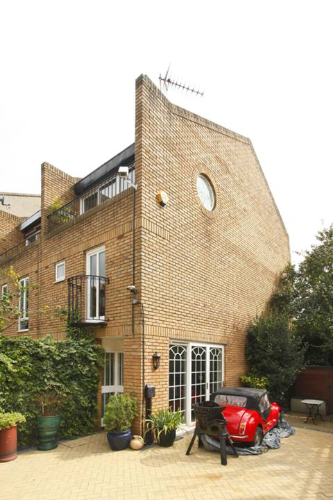 View full details for Essex Road, Islington, N1