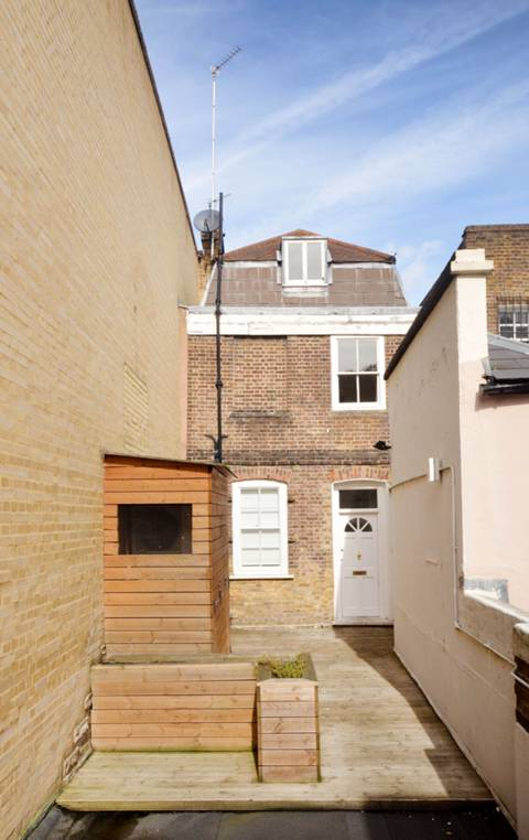 View full details for George Street, Richmond, TW9
