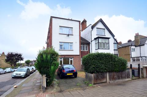 View full details for Thrale Road, Furzedown, SW16