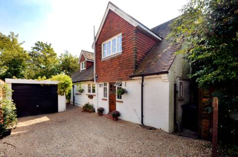 View full details for Oak Cottage Close, Guildford, GU3