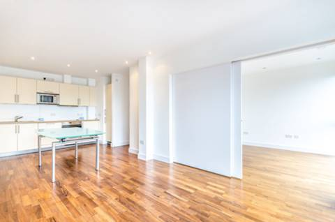 View full details for Crouch End Hill, Crouch End, N8