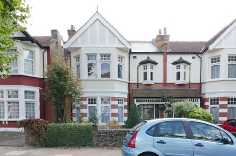 View full details for Conway Road, Palmers Green, N14