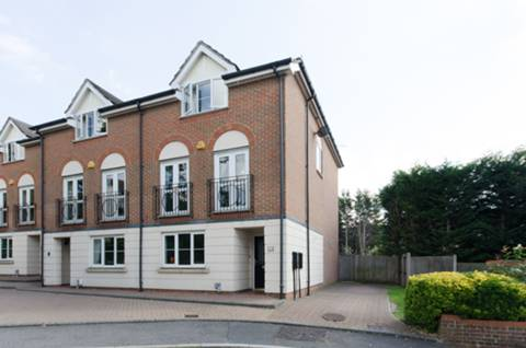 View full details for Postern Green, Chase Side, EN2