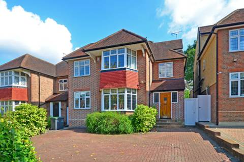 View full details for Ringwood Avenue, Muswell Hill, N2