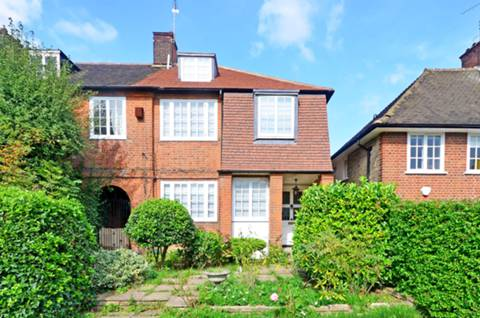View full details for The Chine, Muswell Hill, N10