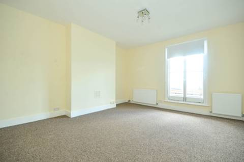 View full details for Green Lanes, Palmers Green, N13