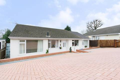 View full details for The Glade, Chase Side, EN2