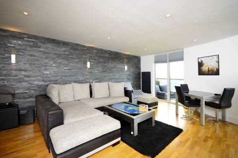View full details for Quadrant Walk, Canary Wharf, E14