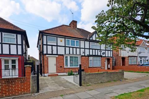 View full details for Gresham Road, Hounslow, TW3