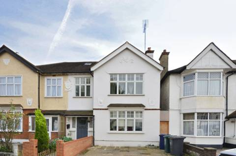 View full details for Hayes Crescent, Temple Fortune, NW11