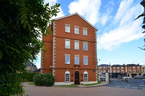 View full details for Queen's Reach, East Molesey, KT8