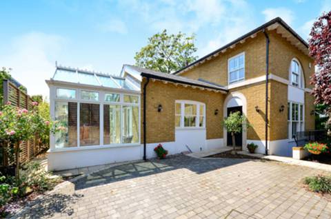 View full details for Clifton Road, Wimbledon Village, SW19