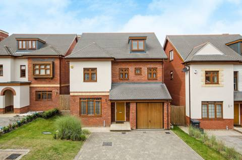 View full details for Blagrove Crescent, Eastcote, HA4