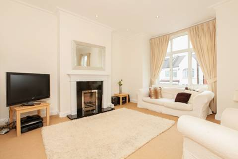 View full details for Osward Road, Balham, SW17